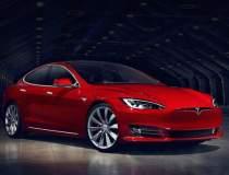 Tesla a pus pe strazi aproape...