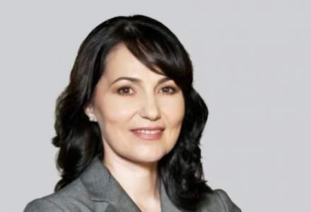 De la curaj, la atitudine: Provocarile unei femei lider in Romania