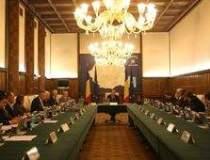 BUGET 2012: Guvernul taie de...