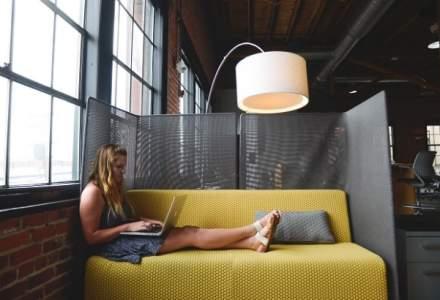 Tinerii romani nu mai stau opt ore la birou si devin freelanceri