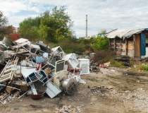 Zeci de romi cer azil in SUA...