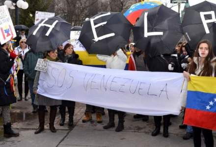 Opozitia din Venezuela, la urne intr-o consultare simbolica impotriva lui Nicolas Maduro