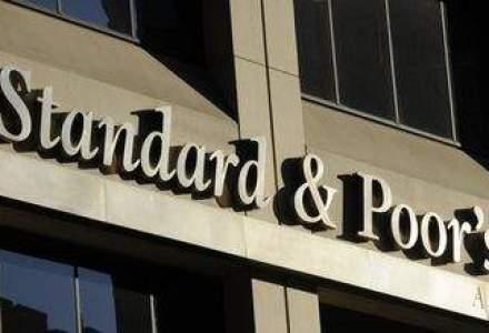 S&P va actualiza ratingurile celor mai mari 30 de banci. Cine va fi retrogradat?