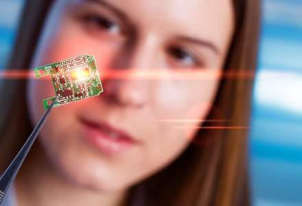 O noua companie implanteaza microcipuri angajatilor. Este prima din SUA