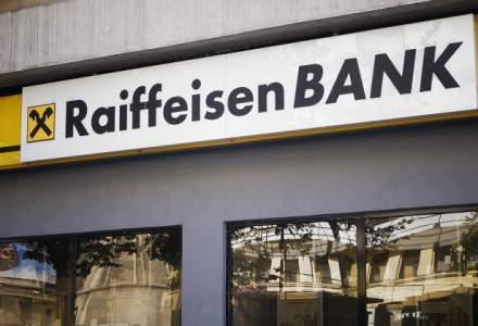 Profitul Raiffeisen Bank bate pasul pe loc. Depozitele au crescut intr-un ritm accelerat, dar portofoliul de credite a sporit cu doar 3%