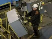 ArcelorMittal da afara 600 de...