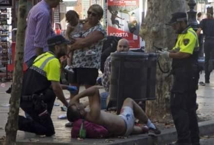 Politia spaniola il cauta inca pe soferul furgonetei care a intrat in multime pe La Rambla in Barcelona