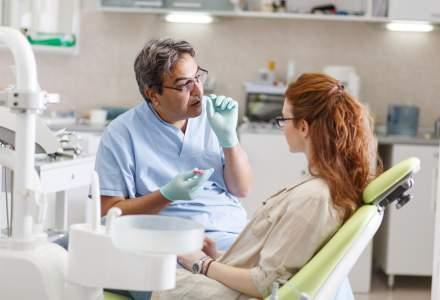 Cate cabinete stomatologice publice au mai ramas in tara? E de ajuns un cabinet pentru un intreg judet?