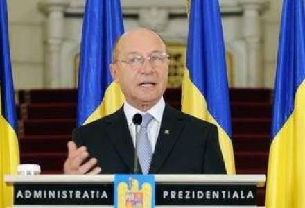 Basescu: Bocitoarele vechii economii sa nu se mai planga