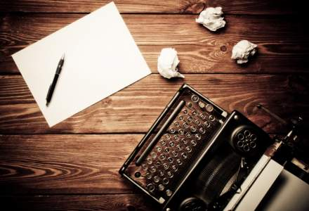 """BCR apeleaza la scriitori si jurnalisti pentru a redacta contractele de credit pe """"intelesul tuturor"""""""