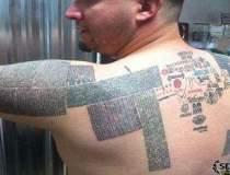 Un canadian si-a tatuat...