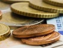 Investitorii fug de euro:...