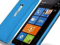 Nokia Lumia 900 si HTC Titan...