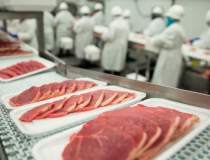 Producatorii de carne de...