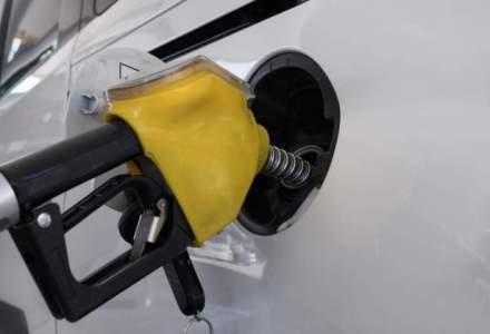 Vanzarile de carburanti au scazut cu aproape 10% in luna in care au crescut accizele