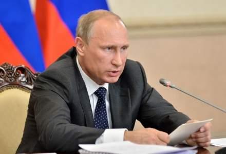 "Vladimir Putin il elogiaza pe Donald Trump, drept un ""om bine-crescut"" si cu un comportament ""extrem de civilizat"""