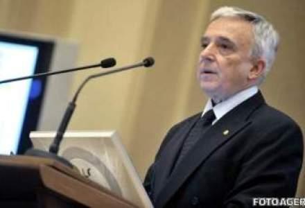Isarescu: Romania, sigura tara UE care a taiat salariile bugetarilor cu 25%, dar cheltuielile se majorau cu 120%