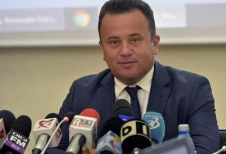 Ministrul Educatiei modifica regulamentul pentru elevi
