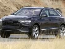 Audi Q8, surprins necamuflat...