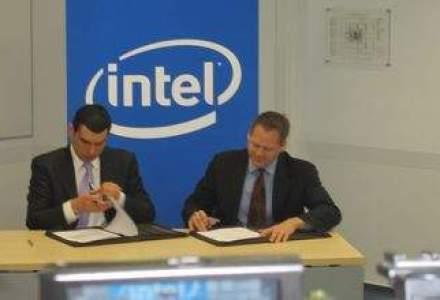Intel a deschis centrul de la Bucuresti. Premierul: In IT&C, succesul are nevoie doar de o foaie de hartie si un creion