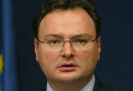 Ministrul Educatiei isi cere scuze fata de parinti