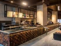 O noua cafenea Starbucks s-a...