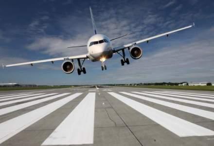 Un avion cu peste 50 de persoane la bord s-a prabusit in Iran