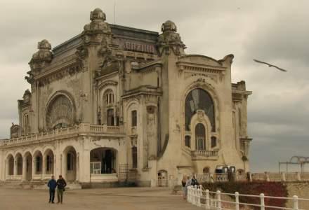 Cazinoul din Constanta se degradeaza, iar Primaria intreaba cetatenii, dupa 10 ani, cum sa il reabiliteze