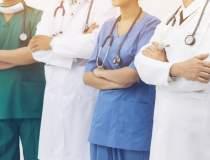 Peste 500 de medici canadieni...