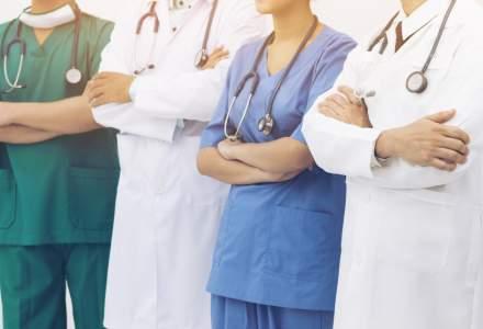 Peste 500 de medici canadieni protesteaza: Avem salarii prea mari