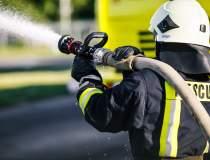 Incendiu intr-un salon ATI,...