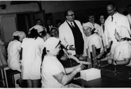 O istorie de peste 100 de ani: Povestea Farmec inainte si dupa Revolutia din 1989