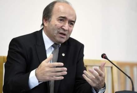 Sindicatele reactioneaza la propunerea lui Toader de a despagubi detinutii