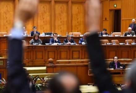 Cererea lui Iohannis, respinsa de comisia juridica: Parlamentarii scapa de conflictul de interese