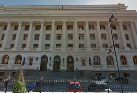 BNR are aproape 170 de sefi. Barbatii domina Consiliul de Administratie si posturile de directori