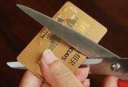 De la creditul cu buletinul, la cardul de credit co-branded
