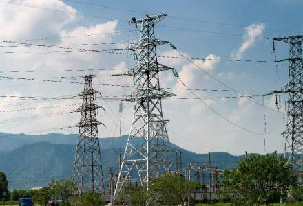 Transelectrica trece de la profit la pierdere in 2017. Investitorii raman fara dividende si ametiti de raportarile companiei