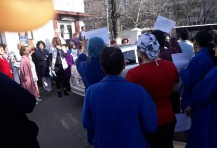 """Protest spontan la Institutul de Pneumoftiziologie """"Marius Nasta"""" din Bucuresti"""