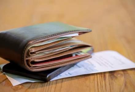 Ce categorii de bugetari nu primesc banii inainte de Paste. Cine sunt vinovatii?