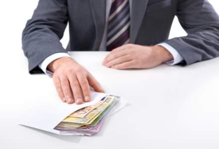 Institutionalii se revolta la Sphera si refuza inca o runda de bonusuri pentru sefii companiei