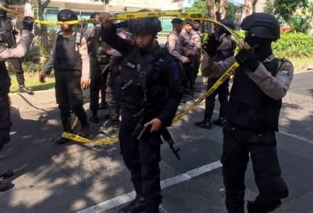 Indonezia: Cel putin 11 morti si zeci de raniti in atacuri asupra unor biserici