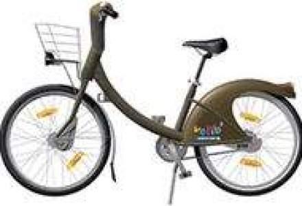 Parizienii pedaleaza pentru un aer mai curat