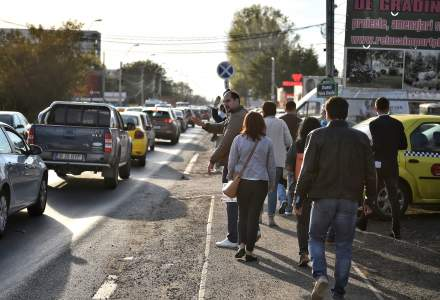 Protest pentru largirea bulevardului Prelungirea Ghencea si construirea Pasajului Domnesti