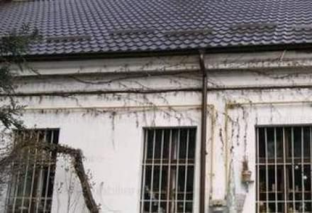 Cat costa cea mai veche casa scoasa la vanzare in Romania?