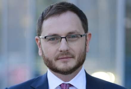 Ce avocati au asistat Ministerul Finantelor Publice la operatiunea de preschimbare a titlurilor de stat in dolari