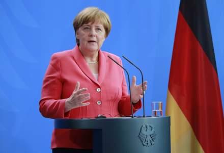 Angela Merkel isi mentine pozitia in disputa cu ministrul ei de interne pe tema imigratiei si cere o 'solutie europeana'