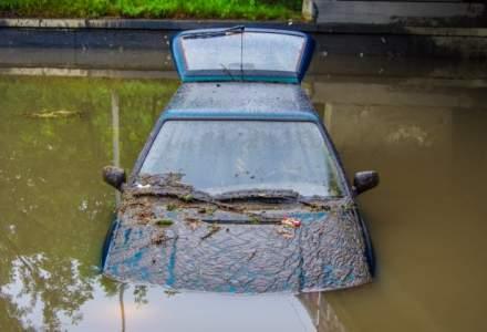 Cod portocaliu de inundatii pe rauri din 13 judete