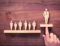Cum iau deciziile liderii de...