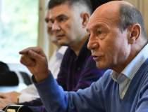 Traian Basescu ii cere...