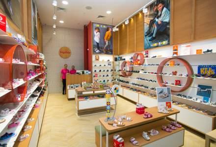 A lansat un business cu incaltaminte pentru copii dupa ce a devenit parinte. Acum are 5 magazine si tinteste afaceri de 1,2 milioane euro